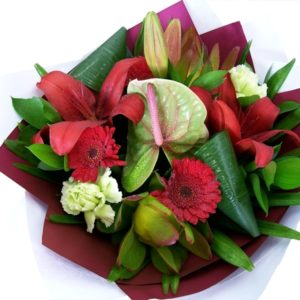 Modern Bouquet Red/Green