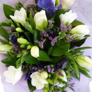 White and Mauve Posy
